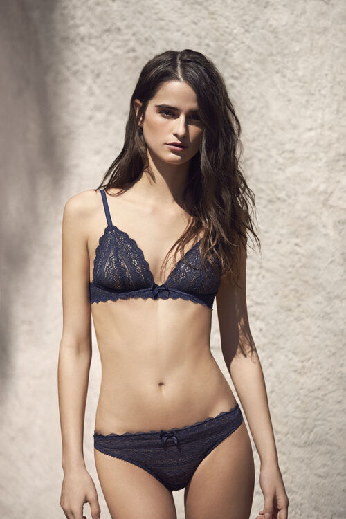 Lace wired triangle bra