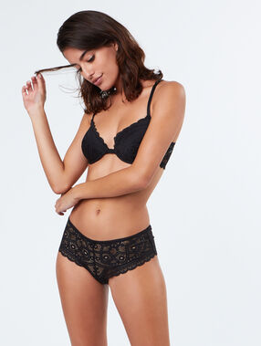 Lace shorty black.