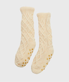 Knitted homesocks with faux fur lined ecru.