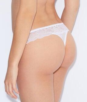 String aus spitze weiß.