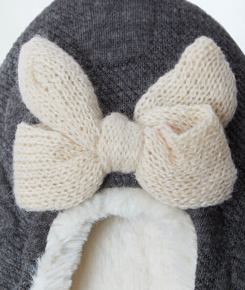 Slippers, bow detail