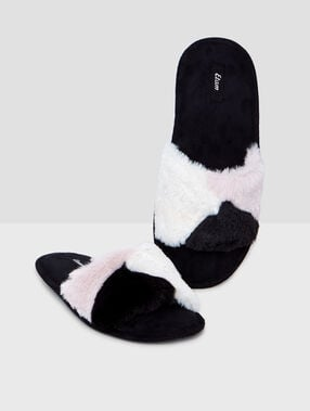 Slippers black.