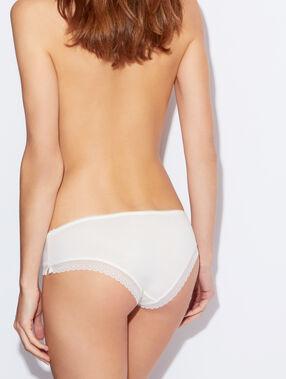 Shorty modal white.