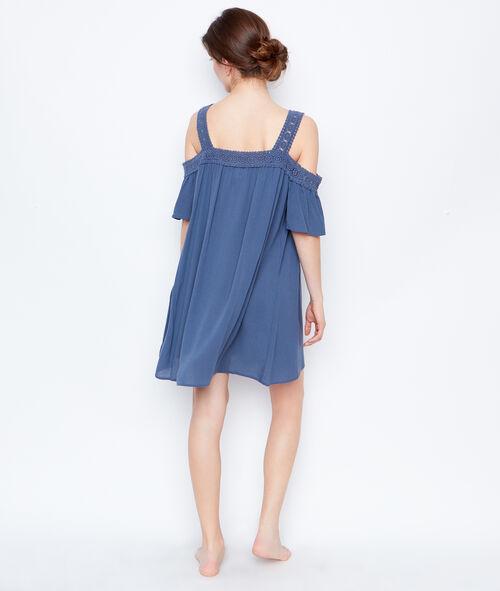 Off shoulders nightdress