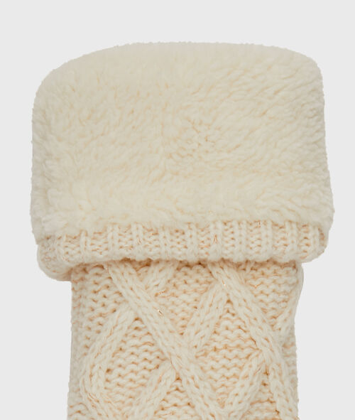Knitted homesocks with faux fur lined