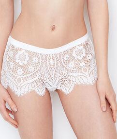 Lace shorts ecru.