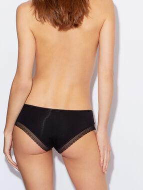Shorty modal und spitze schwarz.