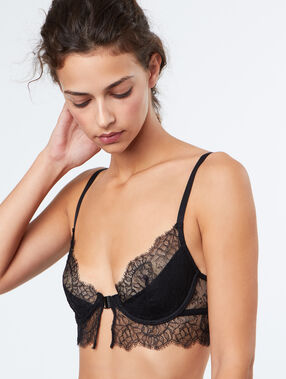 Balconnette bra black.