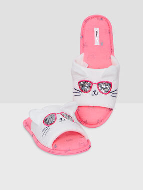 Cat slippers white.