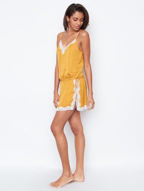 Nightdress yellow.