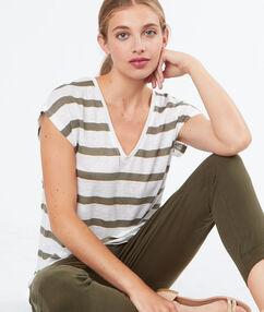 Linen t-shirt khaki.