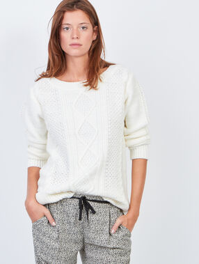 Chunky knitted jumper with slash neck white.