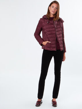Quilted jacket with hood burgundy.