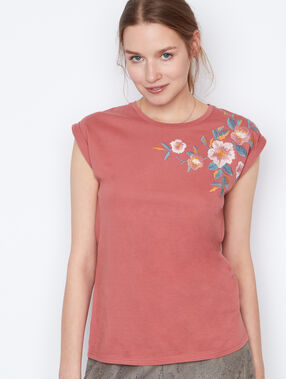 Embroidered t-shirt pink.