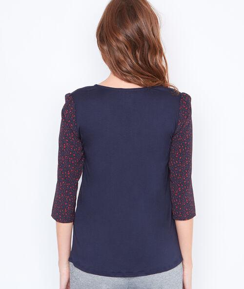 3/4 sleeve V-neck top