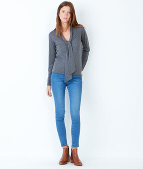 Knit sweater grey.