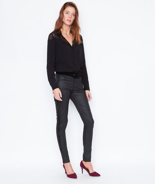 Coated skinny pants with side tape in sequin