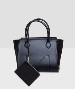 Medium size bag black.