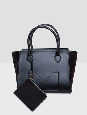 Medium size bag black.