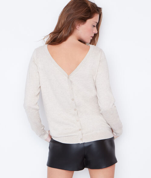 Button back round collar sweater