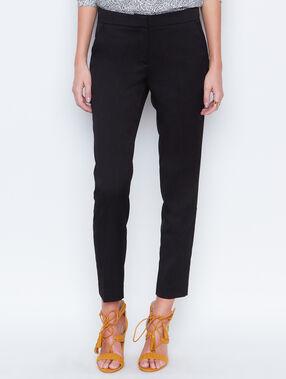Pants schwarz.