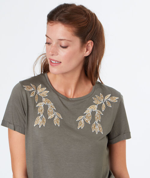 T-shirt with embroideries