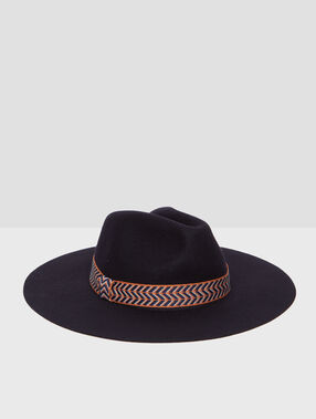 Hat with wide ribbon navy.