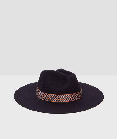 Hat with wide ribbon