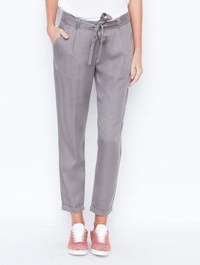 Carrot pants grey.