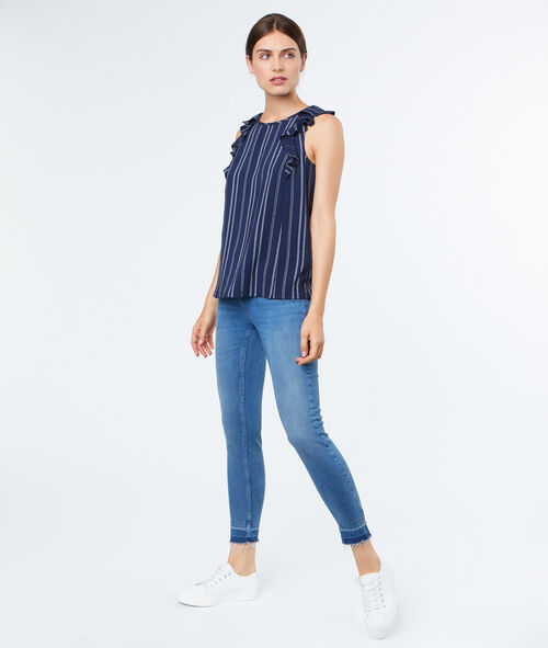 Sleeveless top with knot