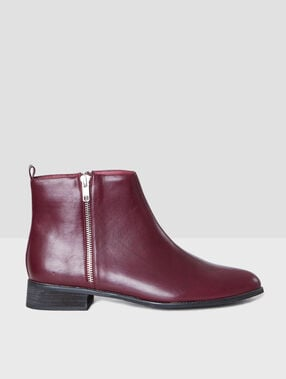 Zipped boots burgundy.