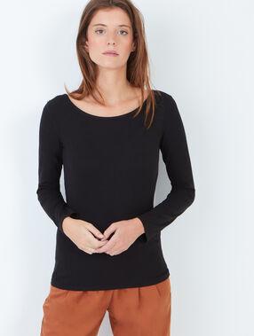 Boat neck t-shirt black.