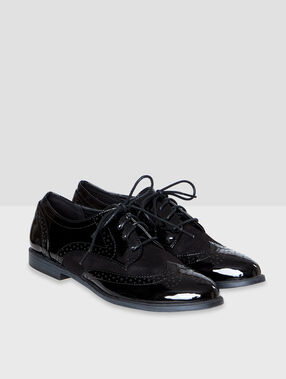 Derbies black.
