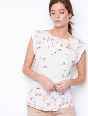 Sleeveless t-shirt white.