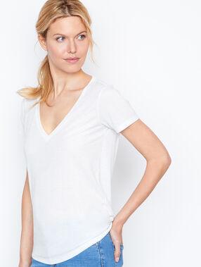 V neck t-shirt white.