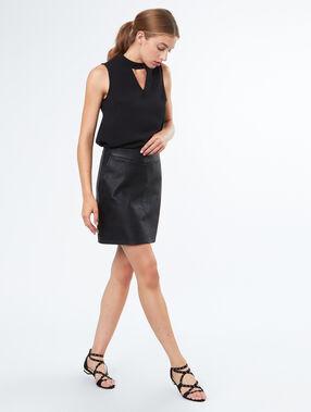 Mini skirt leather effect black.