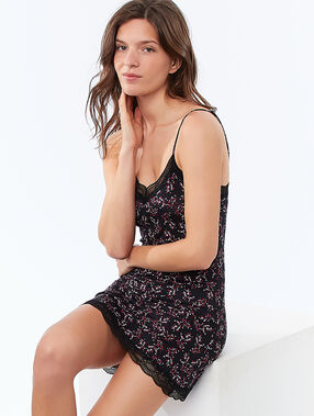 Lace-edged nightdress black.