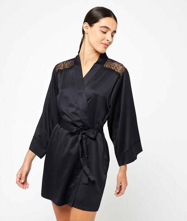 Satin kimono, lace detailing