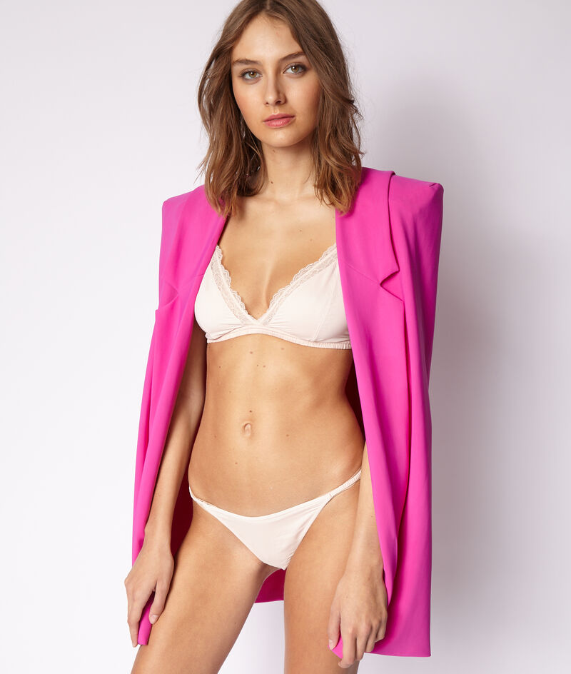 Lace bikini panties;${refinementColor}