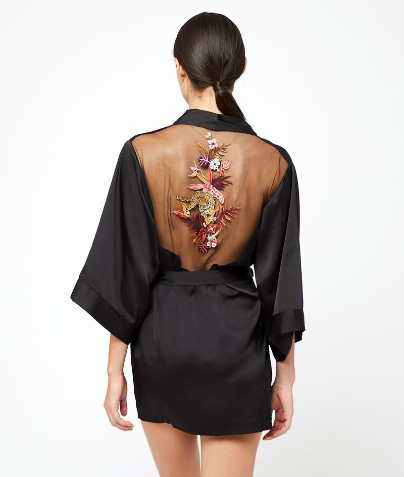 Kimono with tiger embroidered at the back;${refinementColor}