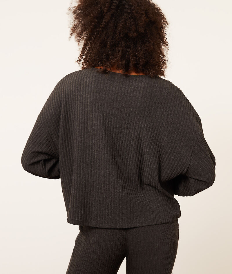 Long sleeve ribbed top;${refinementColor}