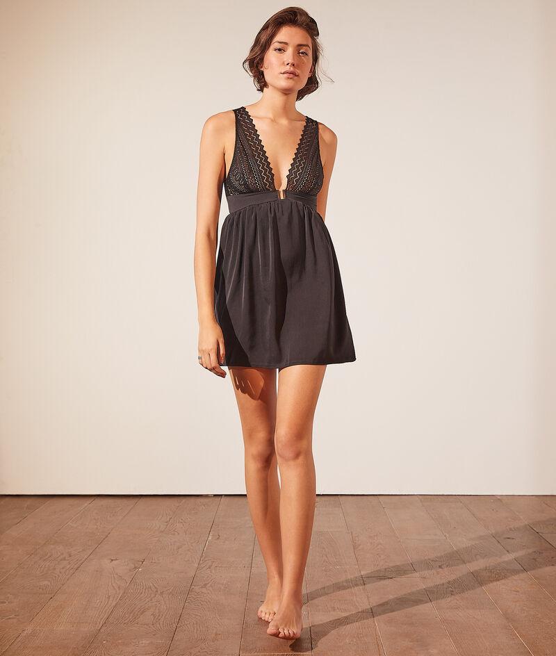Платье-сорочка с графичным кружевом;${refinementColor}