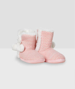 Faux fur slippers boots pink.