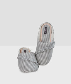 Striped frill slippers gray.