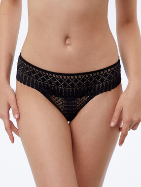Graphic lace tanga black.