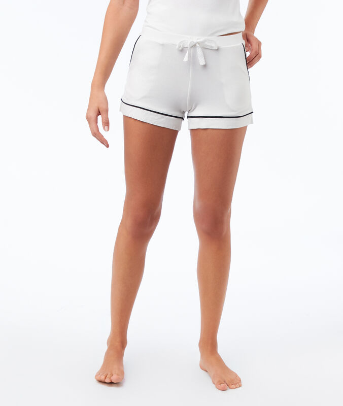 Plain shorts ecru.