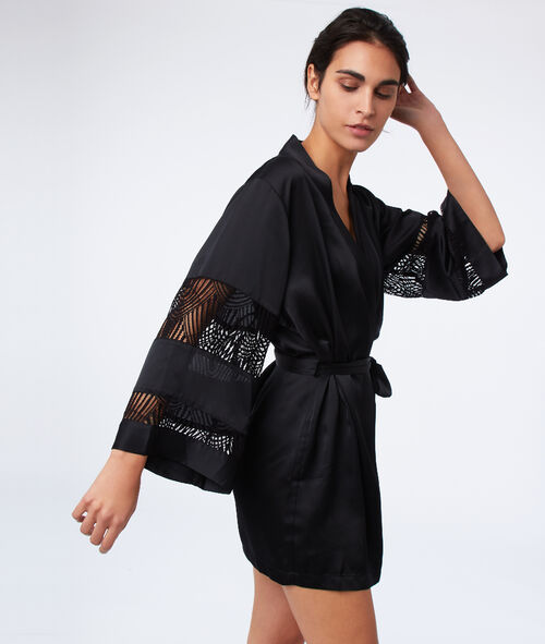 Satin kimono with lace sleeves