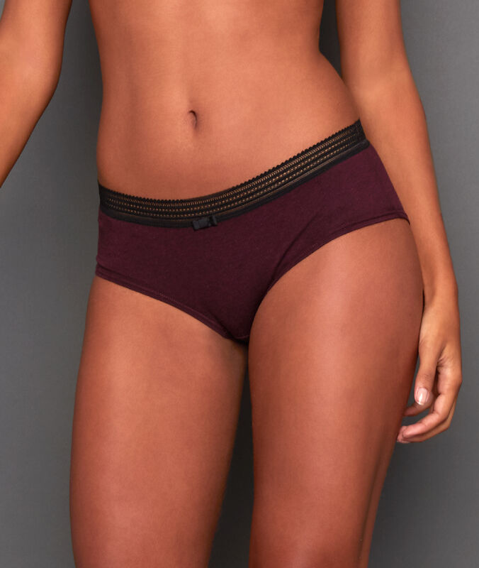 Cotton shorts with lace edges garnet burgundy.