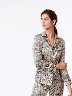 Chemise de pyjama imprimé léopard ecru.