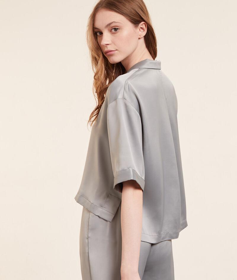 Satiny short-sleeved shirt;${refinementColor}